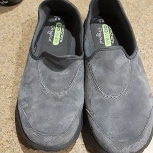 SKECHERS GO WALK GREY SUEDE SLIP ON NWOT